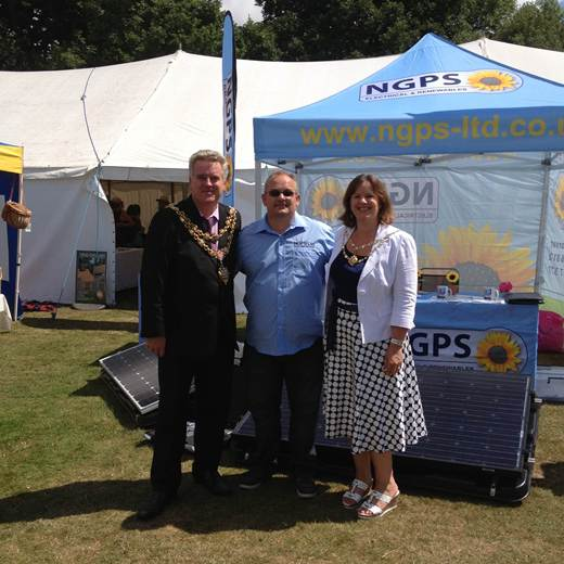 solar panel-Mayor of Poole supporting local business.